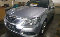 Jual mobil Mercedes-Benz C-Class C200 2012 mobil bekas murah