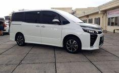 Jual mobil bekas Toyota Voxy 2018