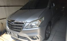 Jual mobil bekas Toyota Kijang Innova 2.0V 2014