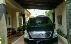Hyundai H-1 XG 2012 Hitam