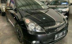 Jual Mobil Toyota Wish 2004