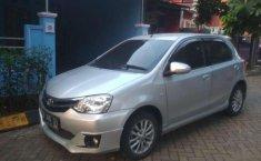 Toyota Etios  2015 Silver