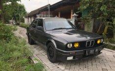 Jual mobil BMW E30 318i 1991 bekas