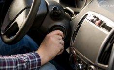 Menyalakan Mesin Mobil Penting Untuk Kesehatan Aki
