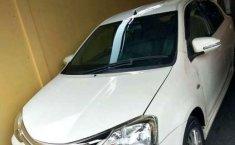 Toyota Etios  2014 Putih