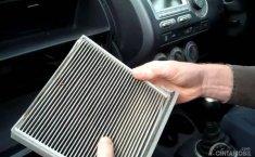 Gak Usah ke Bengkel, Yuk Bersihkan Filter AC Mobil Sendiri