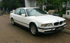 Jual mobil bekas murah BMW 7 Series 735Li 1998