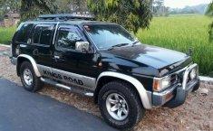 Nissan Terrano (Kingsroad F2) 2002 kondisi terawat