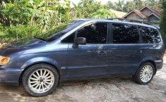 Jual Hyundai Trajet GLS 2001 mobil bekas murah
