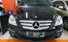 Dijual Mercedes-Benz B-CLass B 180 2010 dengan harga murah
