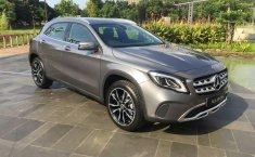 Mobil Mercedes-Benz GLA 200 Urban 2019 dijual