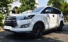 Toyota Venturer  2017 harga murah