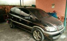 Chevrolet Zafira 2004 terbaik
