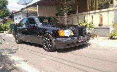 Mercedes-Benz 320 1995 terbaik