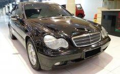 Jual mobil Mercedes-Benz C-Class C200 2001 bekas