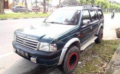 Mobil Ford Everest XLT 2004 dijual