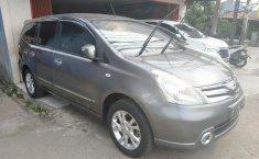 Dijual mobil Nissan Grand Livina XV Ultimate 2012 bekas