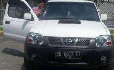 Nissan Navara 2010 dijual dengan harga termurah