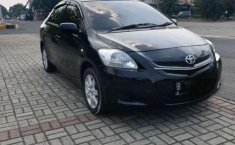 Jual model bekas murah Toyota Limo 1.5 Manual 2012