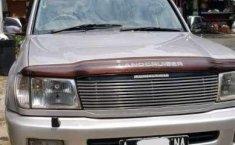 Mobil bekas Toyota Land Cruiser 4.2 VX dijual