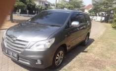 Dijual mobil Toyota Kijang Innova 2.0 G 2015 terbaik di Jawa Barat