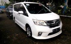 Jual Nissan Serena Highway Star 2013 harga murah di Sumatra Utara