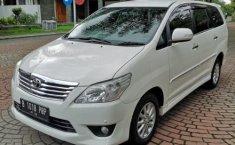 Mobil Toyota Kijang Innova 2.5 V 2012 terawat di DIY Yogyakarta