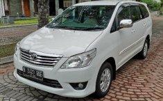 Mobil Toyota Kijang Innova 2.5 G 2012 terawat di DIY Yogyakarta