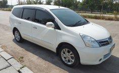 Mobil Nissan Grand Livina Ultimate 2012 terawat di DKI Jakarta