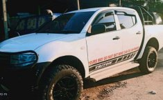 Mobil Mitsubishi Triton 2015 dijual, Kalimantan Tengah