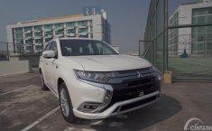Review Mitsubishi Outlander PHEV 2019 : Sama Nama Beda Total Spesifikasi