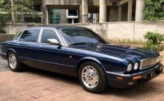 DKI Jakarta, Jaguar XJ 1996 kondisi terawat
