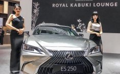 Review Lexus ES 250 Ultra Luxury 2019: Menantang Sedan Mewah Jerman Lewat Sentuhan Takumi