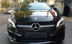 Mobil Mercedes-Benz CLA 2015 200 terbaik di DKI Jakarta