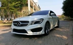 Mobil Mercedes-Benz CLA 2015 200 terbaik di Banten