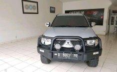 Jual Mitsubishi Triton 2012 harga murah di Banten