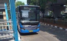 Instran: Lebih Baik 'Paksa' Naik Angkutan Umum Daripada Batasi Usia Kendaraan