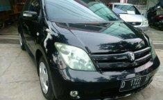 Mobil Toyota IST 2004 terbaik di Jawa Barat