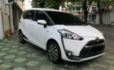 Jawa Timur, Dijual mobil bekas Toyota Sienta V 2017