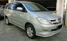 Jual mobil Toyota Kijang Innova 2.0 G 2005 murah di Jawa Timur