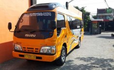 Jual mobil Isuzu Elf 2.8 Minibus Diesel 2017 bekas, Jawa Timur