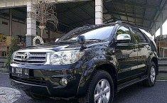 Mobil Toyota Fortuner 2006 G dijual, Bali