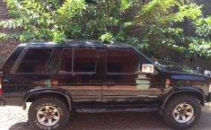 Jual mobil bekas Nissan Terrano Spirtit 2002 dengan harga murah di Jawa Tengah