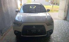 Dijual mobil bekas Mitsubishi Outlander , Jawa Timur