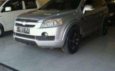Mobil Chevrolet Captiva 2010 dijual, Jawa Timur