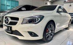 Jawa Barat, Mercedes-Benz CLA 200 2015 kondisi terawat