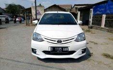 Mobil Toyota Etios 2013 terbaik di Jawa Barat