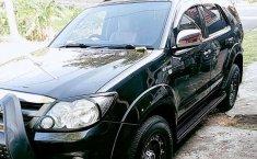 Bali, Toyota Fortuner G 2006 kondisi terawat