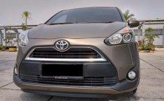 Jual cepat Toyota Sienta V 2015 di DKI Jakarta