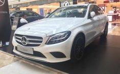 Jual cepat Mercedes-Benz C-Class C200 2019 di DKI Jakarta
